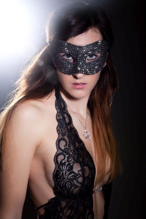 Beautiful Tauranga swinger girl wearing a mask