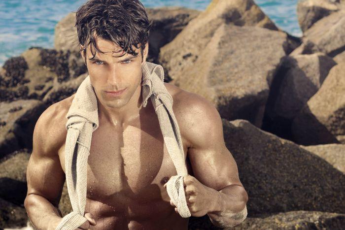 Hot Kiwi guy at the beach