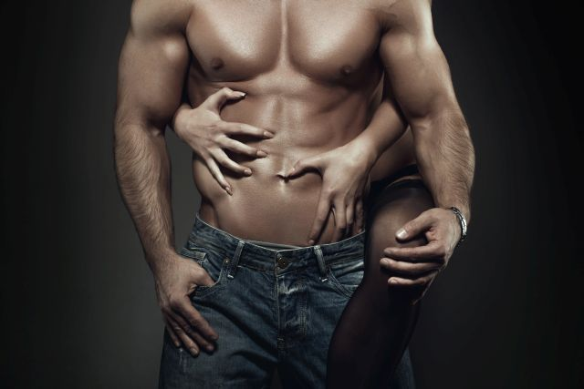 Stud with a muscular body gets seduced by his woman