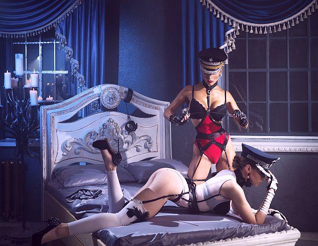 kinky BDSM in the bedroom