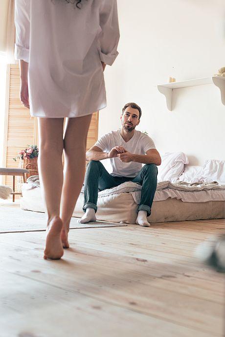 Par i sovrummet