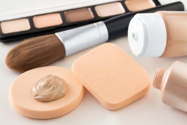 diverse Makeup-Utensilien