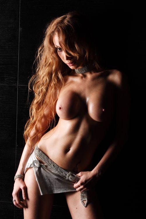 sexy naked Tauranga milf with big boobs