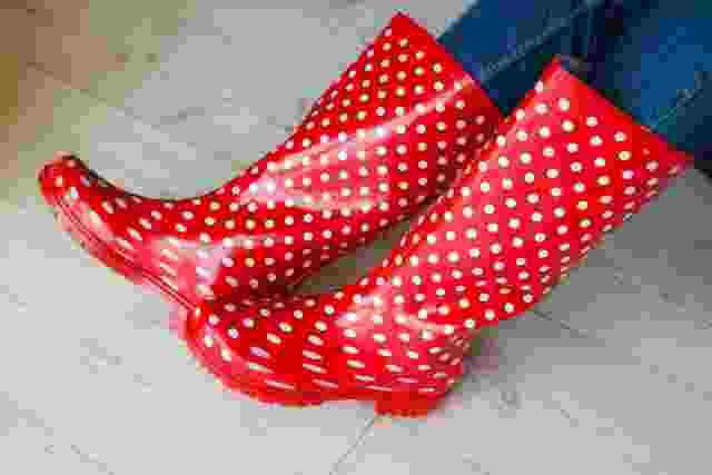 Rote Gummistiefel