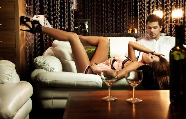 Bei einem Casual Date bleibt es meist nicht beim Wein…