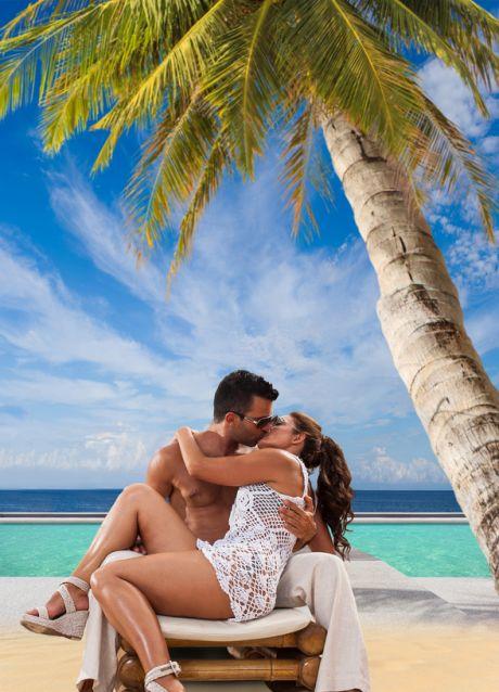 Strandkulisse mit Liebespaar