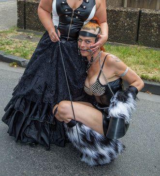 Frauen beim Ponyplay